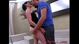 Elle aime se faire baiser brutalement et violemment !!! French amateur